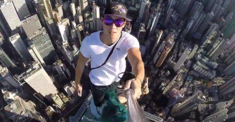 Auf einem Wolkenkratzer: Das gefährlichste Selfie der Welt?