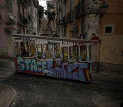 Keine Jobs: Portugiesen flüchten ins Ausland