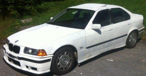 Nach Verfolgungsjagd: Polizei sucht den Lenker dieses Autos