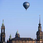 Heißluftballon musste mitten in Köln notlanden