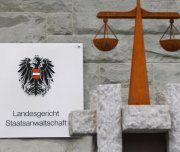 Pflegekind misshandelt: 200.000 Euro-Klage