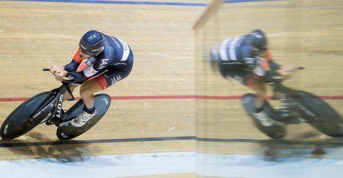 Matthias Brändle holt sich den Bahnrad-Stundenweltrekord