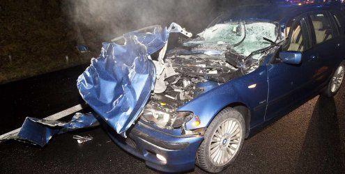 Nach Unfall auf A14: Pkw kracht in Rettungsauto – zwei Verletzte