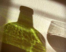 Weinglas ins Gesicht geschlagen: Frau hat Narbe als Dauerfolge