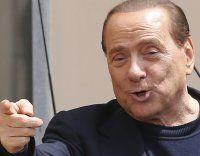Berlusconi leistet seinen letzten Tag Sozialdienst
