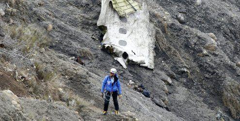 Airbus-Absturz: Bislang nur Hülle von zweiter Blackbox gefunden