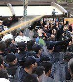 Ankara: Tränengas bei Demo für verhaftete Journalisten