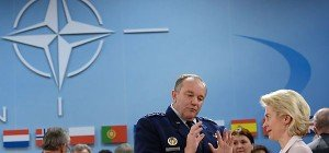 NATO-Minister diskutieren über Anti-IS-Einsätze
