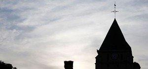 Anschlag in Kirche – Religionsvertreter fordern mehr Schutz