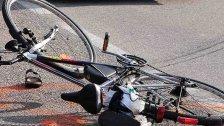 Höchst: Fahrradfahrer kollidierte mit Van