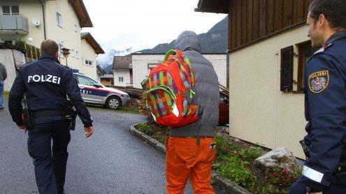 Afghane in Vorarlberg mit Messer verletzt: Pakistani gesteht die Tat