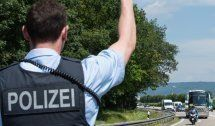 Lindau: Polizei verhaftet Schleuser in Fernbus