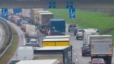 Langer Stau auf der A14 und in Bregenz
