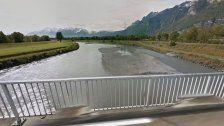 Leblose Person im Rhein entdeckt