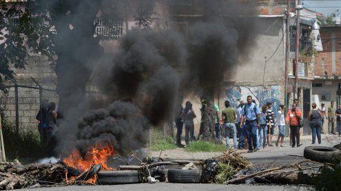 Granatenangriff auf Ministerium: Präsident spricht von Putsch