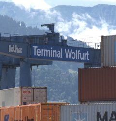 Güterterminal begrüßt Laserkrane!