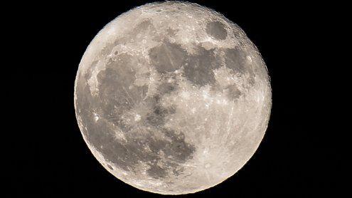 US-Forscher: Mond besitzt viel mehr Wasser als bislang gedacht