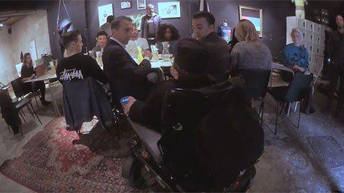Kerns Team lud Rollstuhlfahrer in nicht-barrierefreies Lokal ein