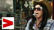 Undercover: MileyCyrus singt in der U-Bahn