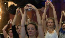 Rauschhafte Entspannung durch Bier-Yoga